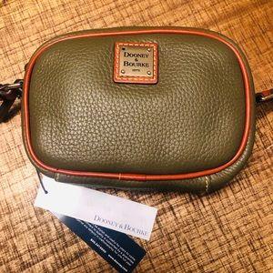 🎂 Dooney & Bourke mini leather crossbody